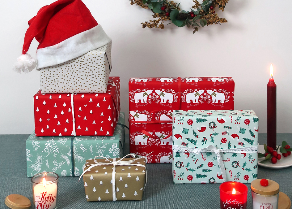 gift wrap christmas hats